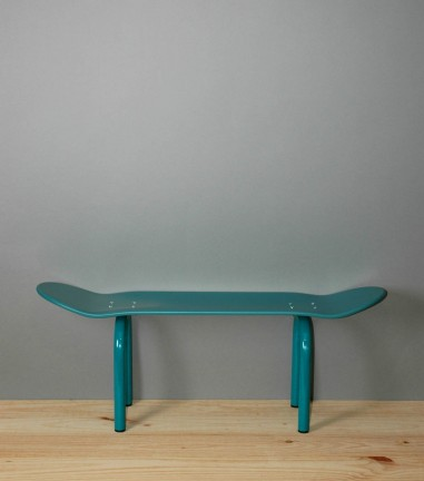 Night blue Skateboard bench