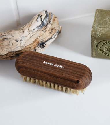 Heritage nail brush