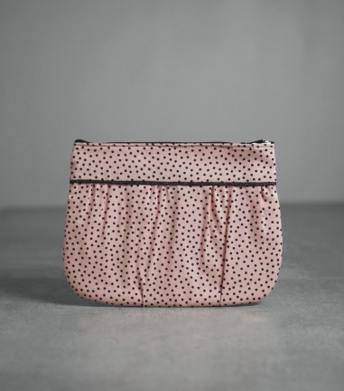 Black Dots pleated pouch